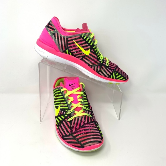 buy popular 960c7 0c3af Nike Shoes | Womens Tr Fit 5 Free Sneakers Size 9 Pink | Poshmark
